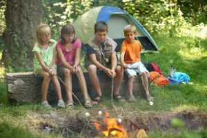 Krikščioniškoje vaikų stovykloje skambėjo sovietinės Lietuvos himnas