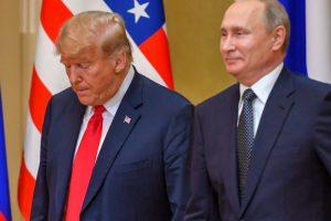 Apklausa: dauguma amerikiečių nepatenkinti D. Trumpo pozicija susitikime su V. Putinu
