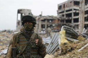 Ukrainoje per šaudynes sužeistas britų fotografas
