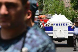 Jerevane užpuolikai paleido vieną iš šešių įkaitų
