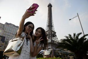 Nepaisant kruvinų išpuolių Prancūzija tikisi rekordinio turistų skaičiaus