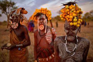 Etiopijos moterys: kas mums žiauru, joms – tradicijos