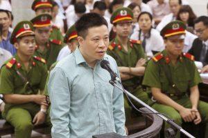 Stambi afera Vietname: teisiami pusšimtis bankininkų