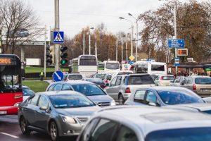 Vairuotojai Kaune kantrybę bandė didžiulėse spūstyse