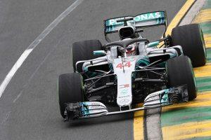 """Pirmąsias """"Formulės-1"""" sezono lenktynes Australijoje pradės L. Hamiltonas"""