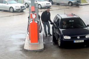 Už degalus susimokėti net neketino (ieškomas užfiksuotas vyras)