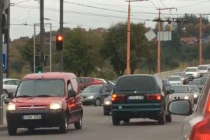 Kaune vairuotojas nusprendė važiuoti prieš eismą