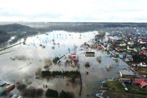 Specialistas apie kritulių merkiamą Lietuvą: situacija šalyje – neįprasta