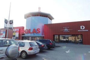 """Prie prekybos centro """"Molas"""" – nauja automobilių statymo tvarka"""