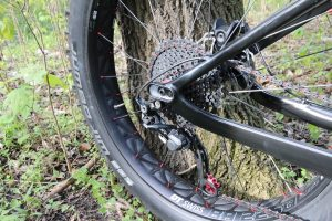 Mašinos partrenktą dviratininką ištiko koma