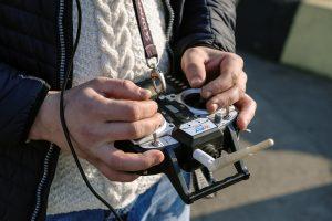 Draudžiami daiktai kaliniams keliauja bepilotėmis skraidyklėmis