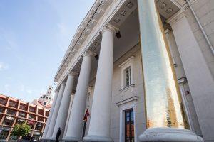 Ruošiasi tvarkyti Vilniaus rotušės fasadą