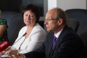 Etikos komisija: dėl skandalingos vakarienės interesai nebuvo supainioti