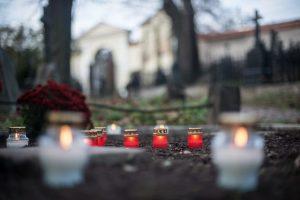 Šventinis savaitgalis keliuose: žuvo šeši žmonės, dar apie 100 sužeista