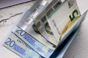 Pusė šalies įmonių šįmet ketina didinti algas