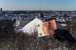 To dar nebuvo: Vilniaus skola sumažėjo 105 mln. eurų