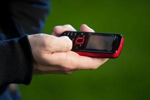 Pavojus mokant SMS žinutėmis