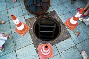 Nelaimė Šakiuose: mirė kanalizacijos šulinį tvarkęs ugniagesys