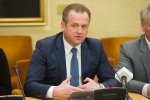 """A. Skardžiaus šeimos verslą Baltarusijoje finansavo """"Gazprom"""" bankas"""