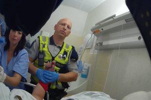 Šiaulių policijos patruliai teikė pagalbą agresyviai gimdyvei