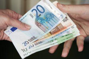 Keičiasi dienpinigių komandiruotiems mokėjimo tvarka – patenkinti ne visi