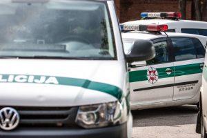 Nelaimė Garliavoje: policijos automobilis sužalojo pėsčiąją