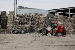 Vietoje trypčiojanti Aplinkos ministerija privirė košės