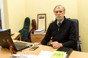 Mokyklą paliekantis J. Kazlauskas: direktorius visada turi būti švietėjas