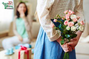 Nustebinti mylimiausią: kokias gėles dovanoti mamai?