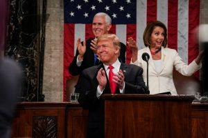 Savo metiniame pranešime D. Trumpas ragino amerikiečius susivienyti