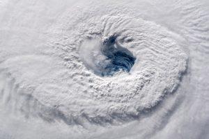 """Link JAV artėjantis uraganas """"Florence"""" silpsta"""