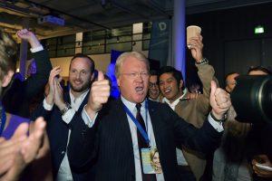 Švedijos rinkėjų apklausos rodo socialdemokratų pergalę
