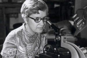 Mirė garsi amerikiečių astronomė V. Rubin