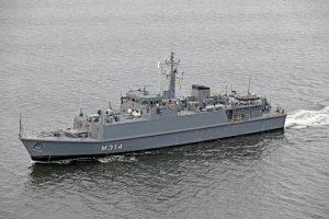 Estijos kariniame laive – didelė cigarečių ir alkoholio kontrabanda
