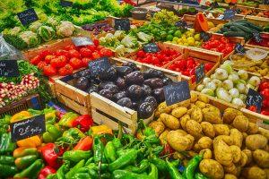 Mitybos tendencijos: geriau brangiau ir mažiau