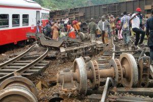 Kamerūne traukinio katastrofos aukų išaugo iki 70