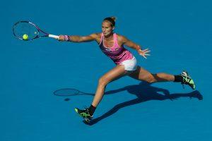 Favoritės pergalingai pradėjo WTA serijos moterų teniso turnyrą Kinijoje