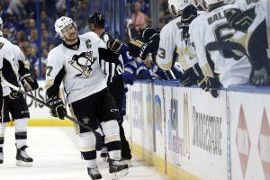 """NHL Rytų konferencijos finalo serijoje į priekį išsiveržė """"Penguins"""" klubas"""