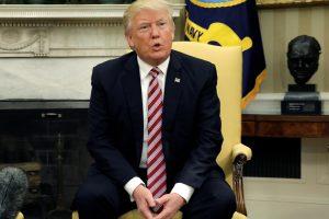D. Trumpas sako neturintis pokalbių įrašų su buvusiu FTB vadovu