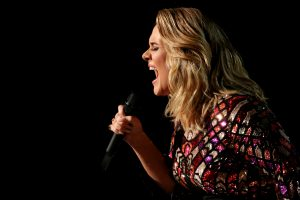 Adele atšaukė du paskutinius savo gastrolių koncertus