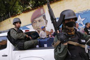 Venesueloje nušautas prieštaringai vertinamų rinkimų kandidatas