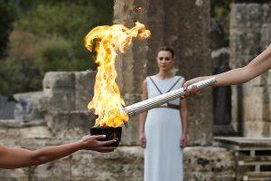 Graikijoje įžiebta 2018-ųjų žiemos olimpiados ugnis