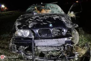"""Vairuotojo pažymėjimo neturintis jaunuolis bėgo nuo policijos ir rėžėsi į """"Audi"""""""