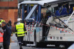 Prancūzijoje mokyklos autobusiukui susidūrus su sunkvežimiu žuvo šeši vaikai