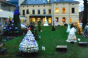 Kalėdinių eglučių kiemelyje – šventė