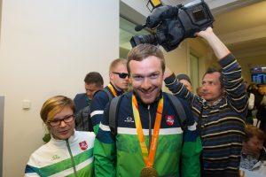 Parolimpinių žaidynių čempionui siūloma skirti valstybinę pensiją