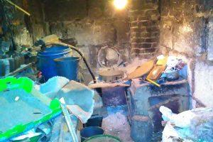Vasarnamyje – naminukės aparatas, ūkiniame pastate – 20 litrų naminės degtinės