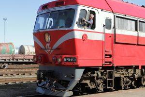 Traukinių stotyje nesustojęs mašinistas – po didinamuoju stiklu