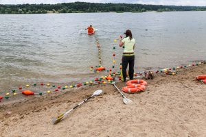 Jubiliejiniame plaukimo maratone Platelių ežere triumfavo kauniečiai