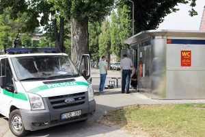 Bandė pavogti monetas iš viešo Klaipėdos tualeto